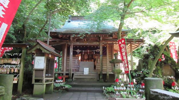 佐助稲荷神社(鎌倉市)拝殿