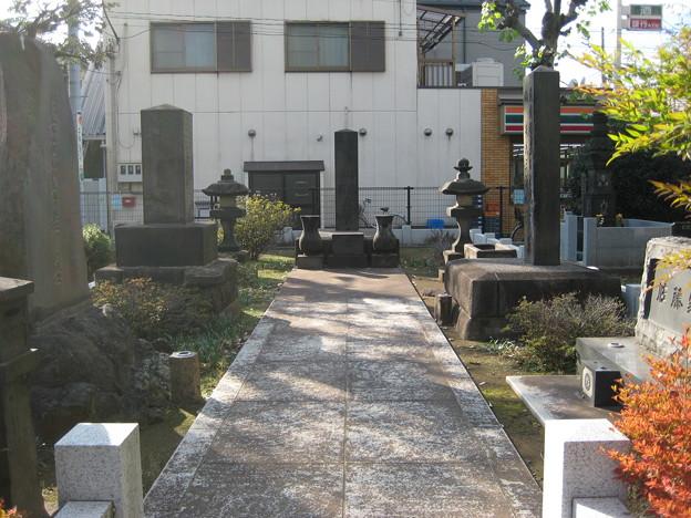 10.11.11.谷中霊園(台東区)佐藤家・松本家墓所