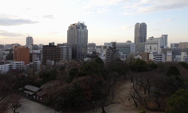 千葉市立郷土博物館(千葉城)5階から千葉市中心街方面を見たところ