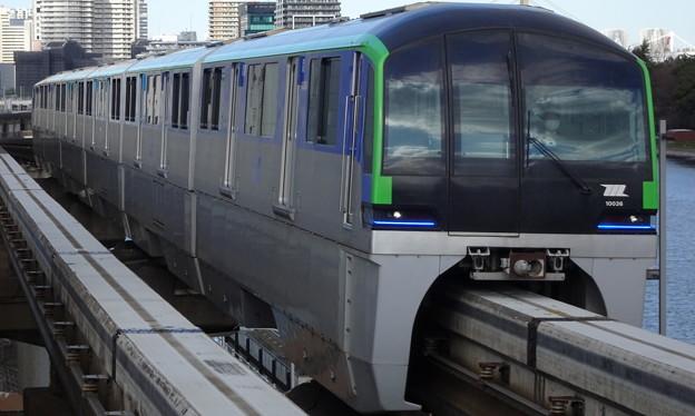 東京モノレール羽田空港線10000形