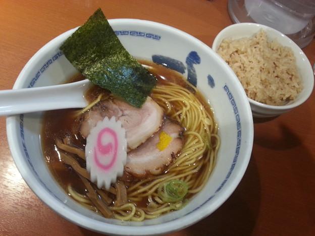 たけちゃんにぼしらーめん 調布店 らーめん 煮干しご飯(小)