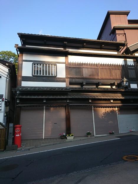 千葉県  成田山新勝寺  近くの丸ポスト