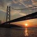 黄昏のシルエット 明石大橋