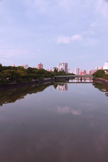 ~川を横切る雲~