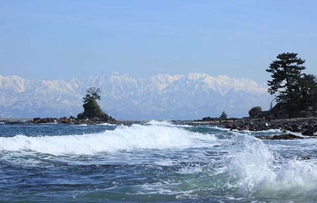 海から 立山連峰(2) 波