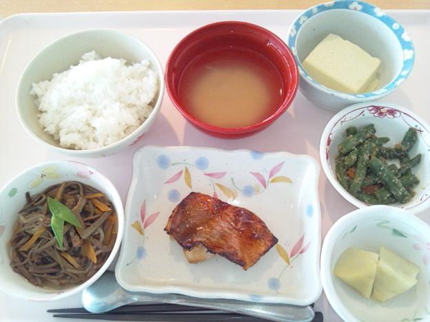 5月30日昼食(赤魚の照り焼き) #病院食