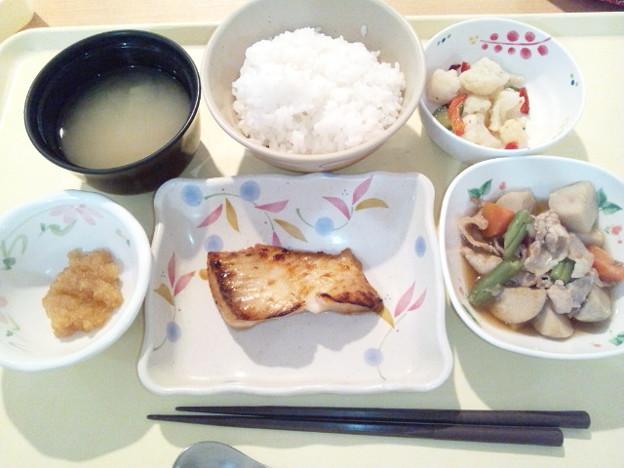 写真: 11月20日夕食(カレイのつけ焼き) #病院食