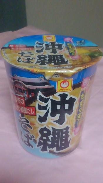 【今日の夜飯】東京都港区港南の、東洋水産 マルちゃん もずく天入り 沖縄そば 鰹、昆布のあっさり和風だし。