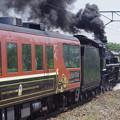 写真: C57 180+12系客車