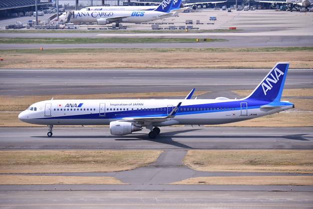 羽田第一ターミナル ANA A321のころがり。。20170325