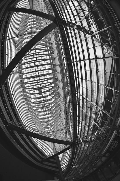 魚眼で見る東京国際フォーラム。。ガラス張りの建屋 20170422