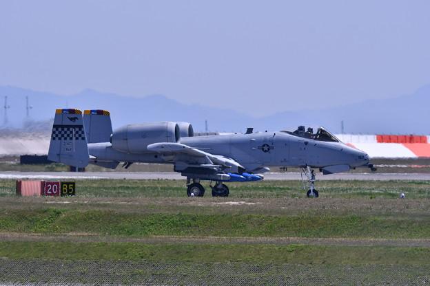 岩国基地フライイン。。オーサンの指令機A-10サンダーボルト転がり 5月3日