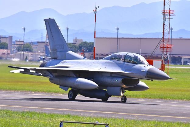 横田基地。。まだまだ出てくる韓国空軍戦闘機KF-16 20170603