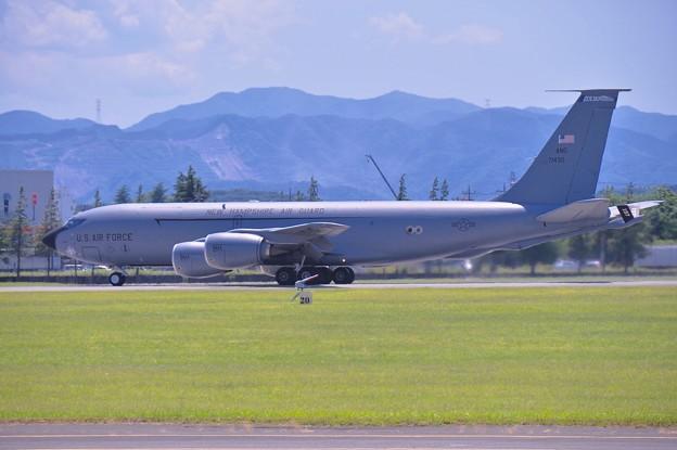 横田基地。。韓国空軍の支援機ニューハンプシャーのKC-135 テイク・オフ 20170603