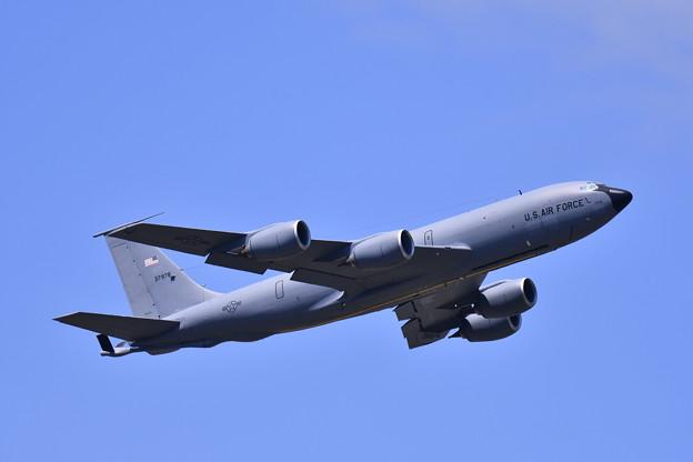 ある日の横田基地。。2機目の無印KC-135ストラトタンカー ランウェイ36上がり 20170605