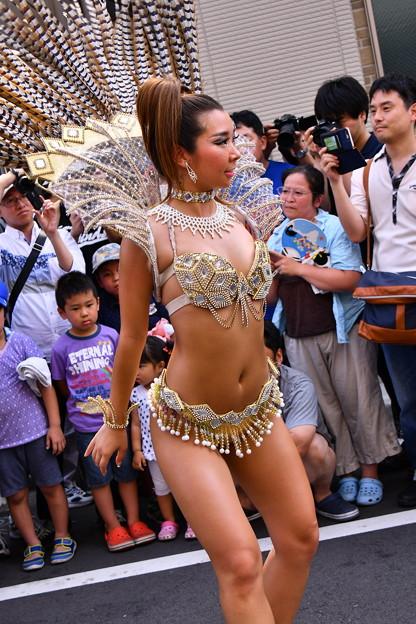 撮って出し。。日本人離れしたサンバのお姉さん セクシーに踊る 7月17日