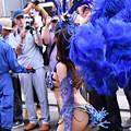 写真: 撮って出し。。間近でサンバ踊るお姉さん 7月17日