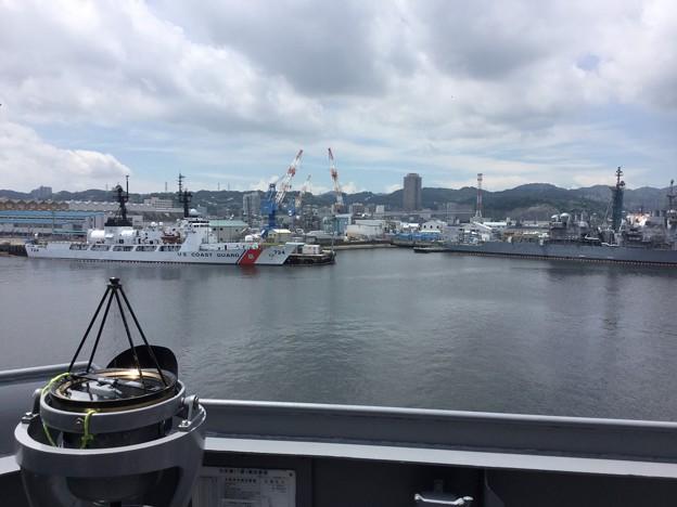撮って出し。。米海軍横須賀基地から掃海母艦うらが 8月5日