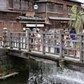 水郷佐原の昔の町並み。。橋から流れ出る水 20170716