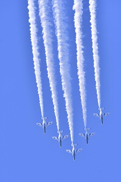 松島基地復興航空祭。。デルタで垂直降下 ブルーインパルス