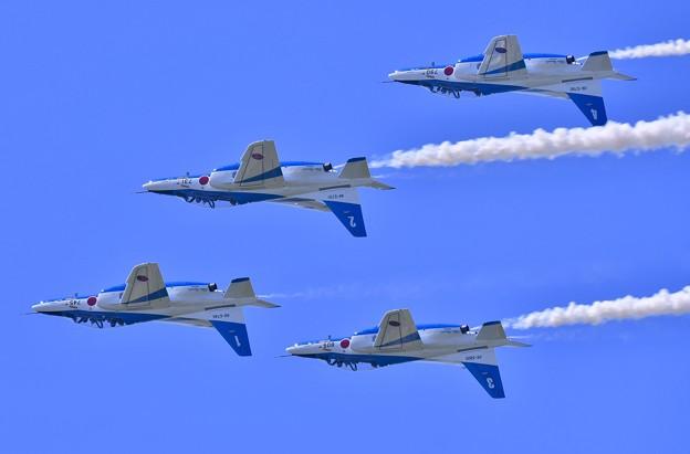 松島基地復興航空祭。。飛行訓練 フォーシップインバート