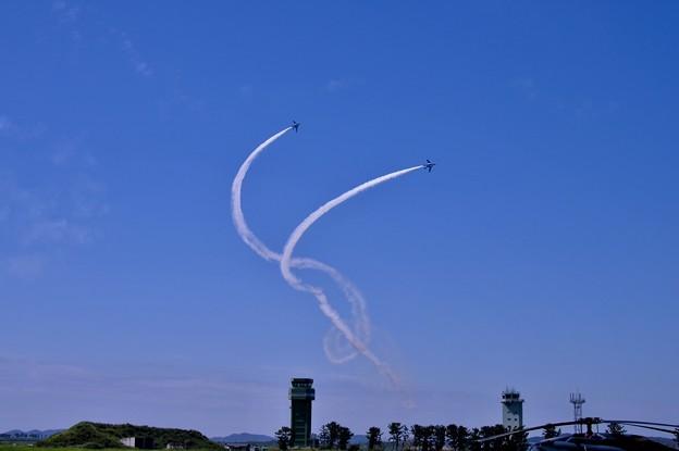 松島基地復興航空祭。。コークスクリューから着陸態勢へ ブルーインパルス