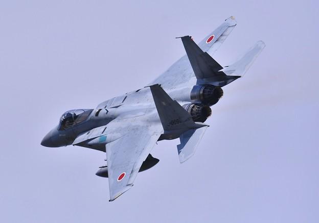 三沢基地航空祭。。背中見せながら旋回 千歳のF-15イーグル