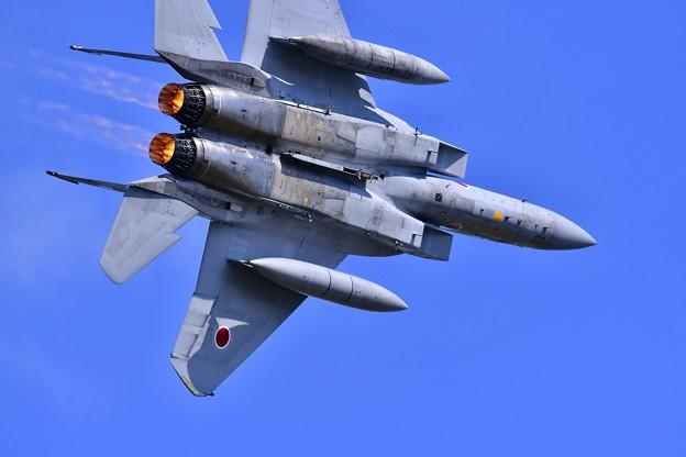 三沢基地航空祭。。アフターバーナー出して高速旋回。。千歳のイーグル