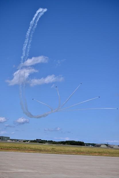 写真: デルタループからサンライズへ。。三沢基地航空祭