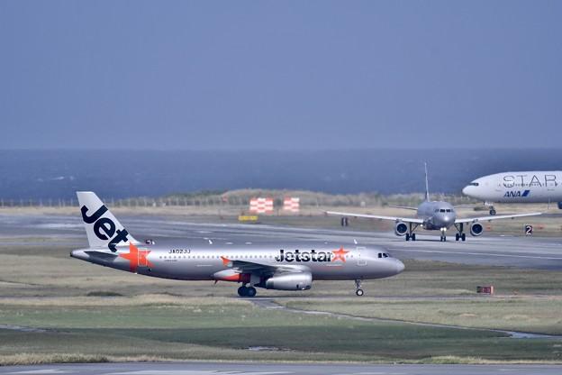 Photos: 撮って出し。。見渡しのいい那覇空港 11月22日