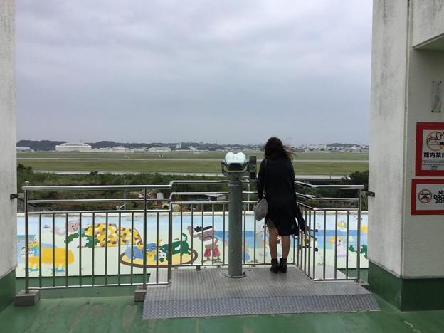 撮って出し。。この前寒かった嘉手納。。1人寂しく基地眺め 11月23日