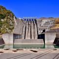 写真: 綺麗なフォルムの三保ダム。。20171112