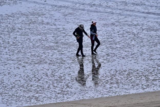 瀬長島のリゾート。。潮が引いた後を歩く。。(^^)20171122