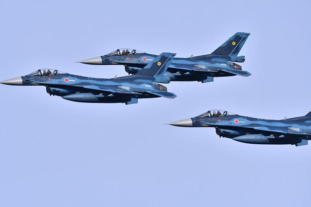 予行練習のオープンニング飛行 第6飛行隊F-2