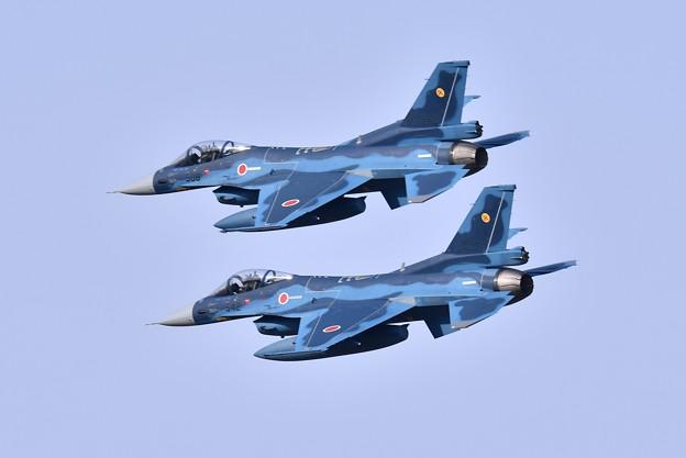 綺麗な編隊飛行で旋回する築城の第6飛行隊 予行練習