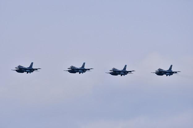築城基地航空祭予行練習。。機動飛行終えて最後は4機でのオーバヘッドアプローチ