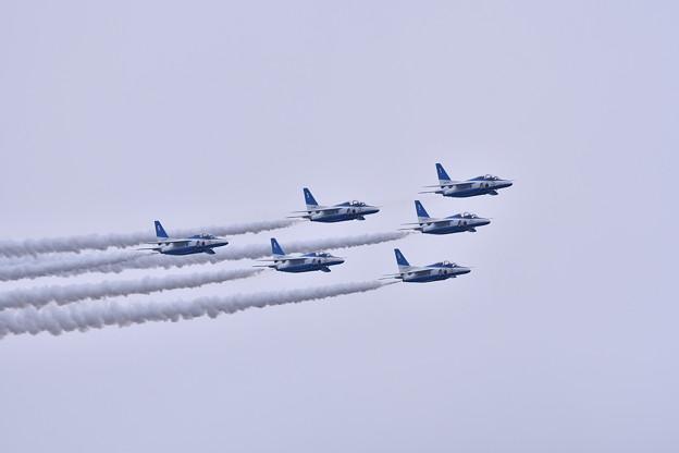 築城基地航空祭。。ブルーインパルスデルタローパス飛行