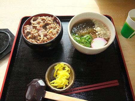肉ごはん+小そば(道の駅・あいの土山【滋賀】)