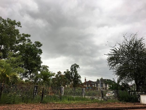 雨のミャンマー イーストダゴン (7)