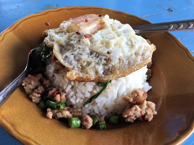 昼飯のタイ飯 (3)