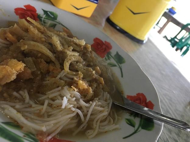 朝食のモヒンガー (2)