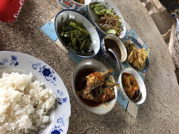超ローカル食堂とアジの煮つけ (2)