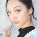 モニカ瑠那左サイドアップ