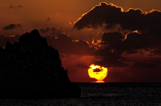 雲間の夜明け
