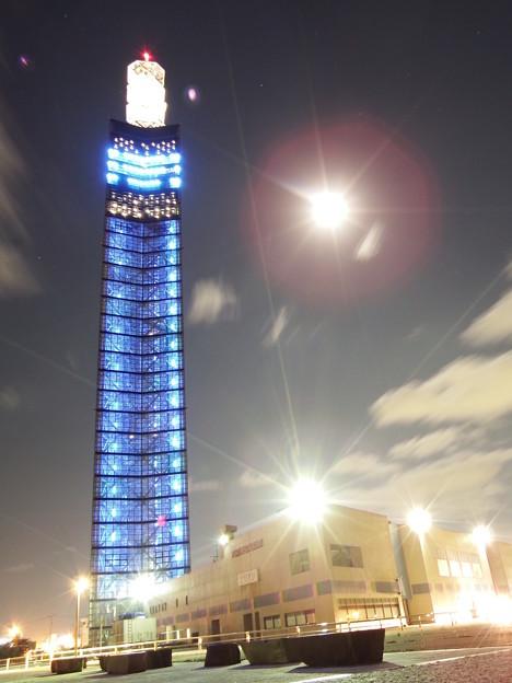 ポートタワー セリオンと月明かり