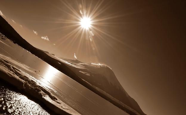 Photos: 氷点下3℃の風景~凍る湖~