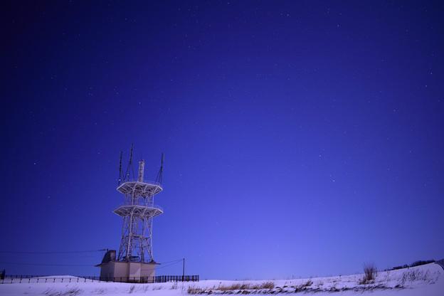 電波塔に広がる星空2