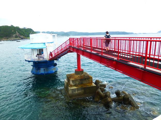 沖合140m 水深6.3m 串本海中展望塔