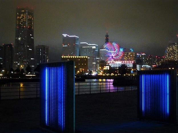 夜景と横浜港