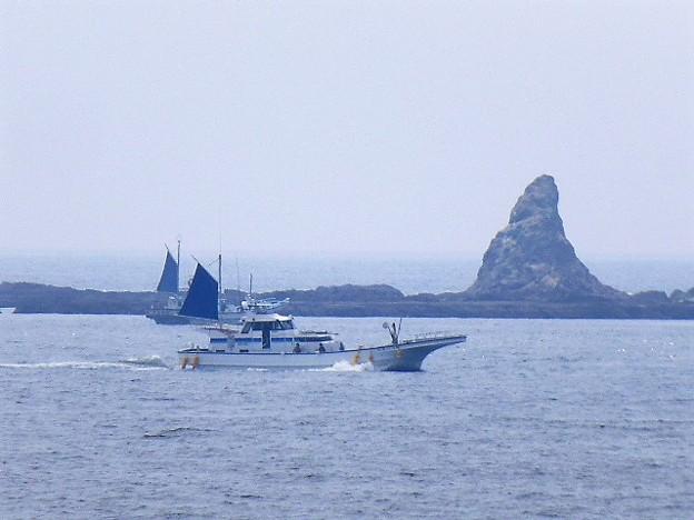 茅ヶ崎のシンボル えぼし岩(姥島 うばじま)